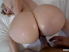 Oral sex and doggystyle shagging satiate blonde MILF Dana DeArmond