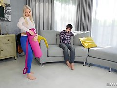 Quickie fucking in make an issue of living-room with busty Roxy Risingstar