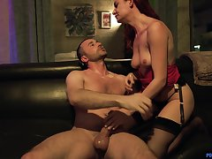 Riding a big load of dick makes Lacy Lennon do an shin up