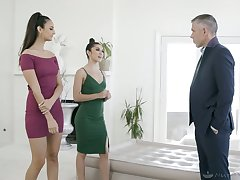 Elizza Ibarra and Gianna Gem give a nuru massage before enlivened threesome intercourse