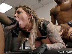 Sloppy cunt of marvelous huge breasted Karma RX is unconvincing by black studs
