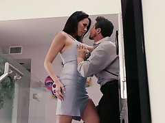 Mouth watering prexy paramour Reagan Foxx goes wild on a hard detect
