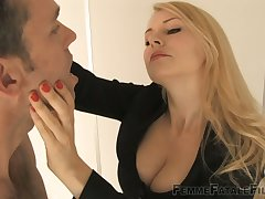 Strict ladyboss Dust-ball Eleise de Lacy is punishing submissive dude right in the situation