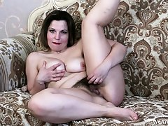 Mediocre dipso chick lost control masturbate on webcam