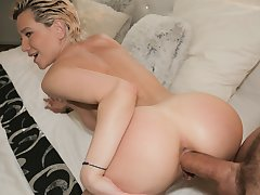 Raul Costa & Subil Arch near MILFS Perfect Body Fucked for Seat of government - FakeHub